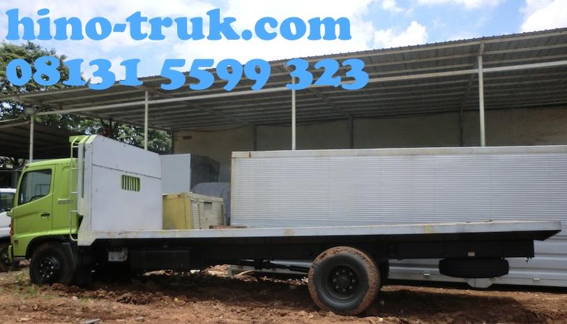 Hino-fg-235-jl-karoseri-bak-truk-flatbed