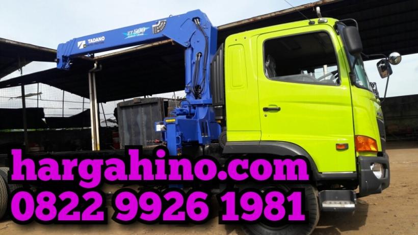 hino-fl-235-jw-bak-truck-crane-01