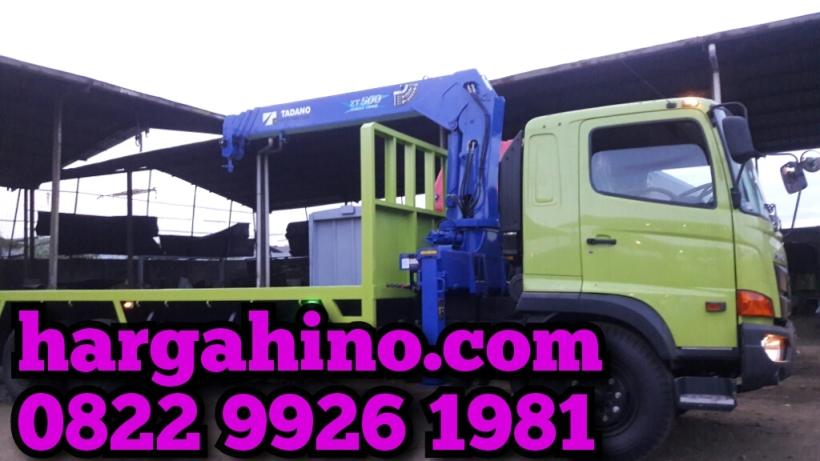 Hino-fl-235-jw-mounted-crane-5-ton-1